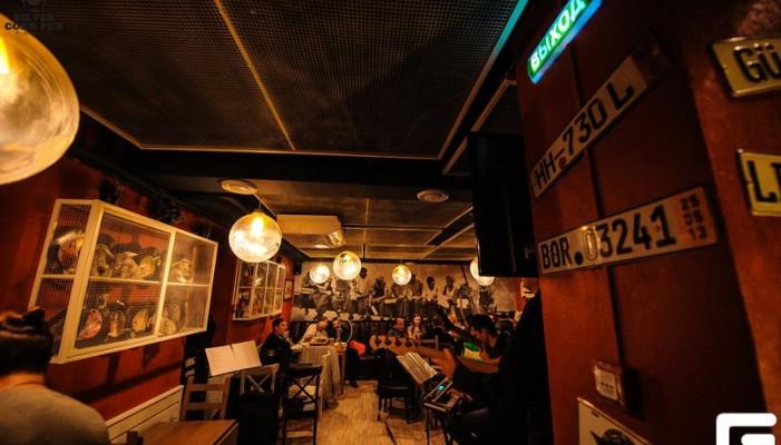 Silver Cork Pub