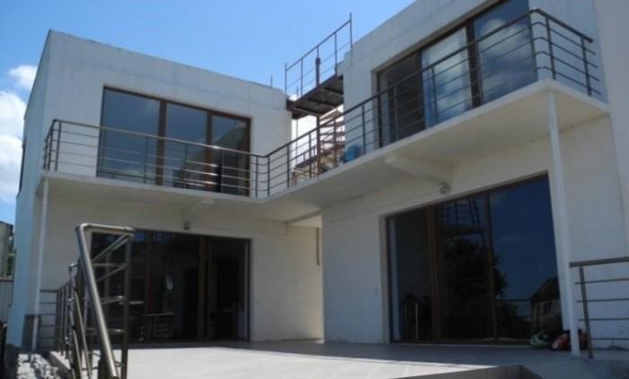 Small Villa 878