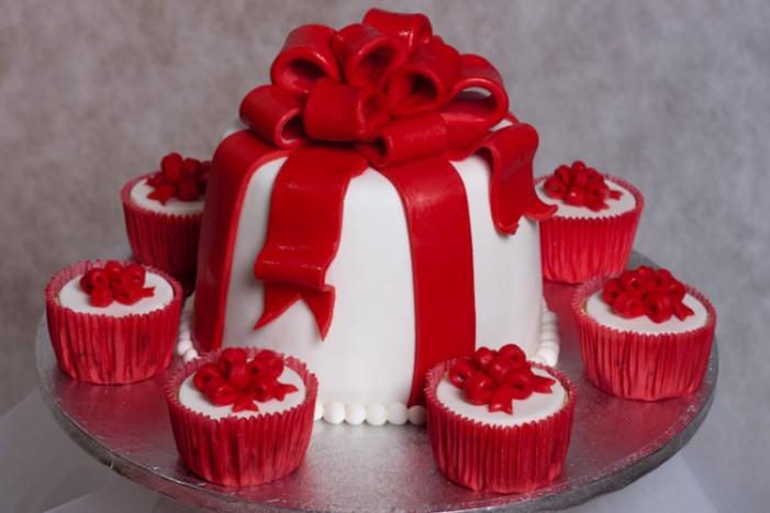 Торты, пироженые, капкейки, выпечка - специально к Вашему торжеству!