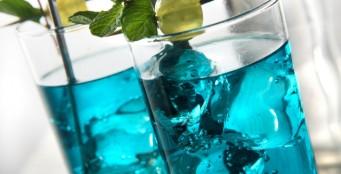 При заказе кухни - возможность распития принесённой алкогольной продукции