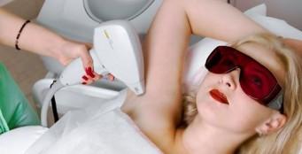 Лазерная эпиляция позволяет без боли и на долгий срок получить гладкую, нежную кожу