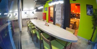"""Ресторан """"Scoozi"""" предоставляет скидку 20% на меню в день рождения Гостя"""