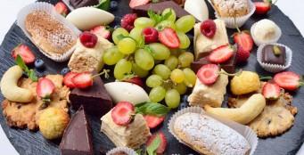 """Большой выбор десертов в ресторане """"Ялла""""!"""