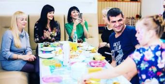 В нашем клубе и родителям и гостям праздника скучать некогда!