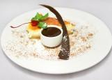 Чизкейк ванильный с горячим шоколадом
