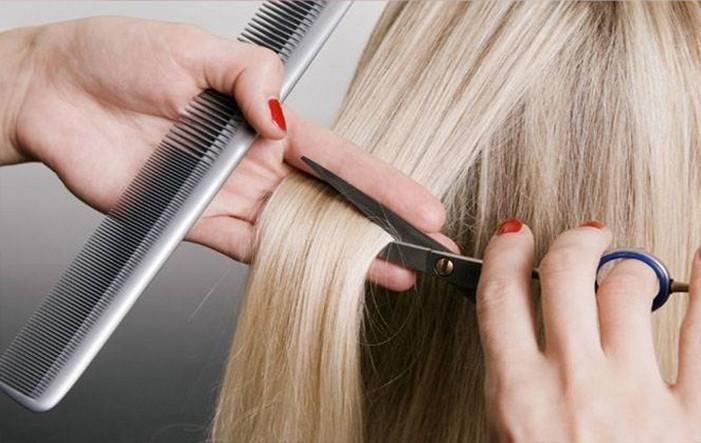 После горячих ножниц волосы секутся